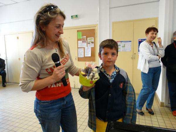 Gary gagnat du concours enfants de décoration des oeufs